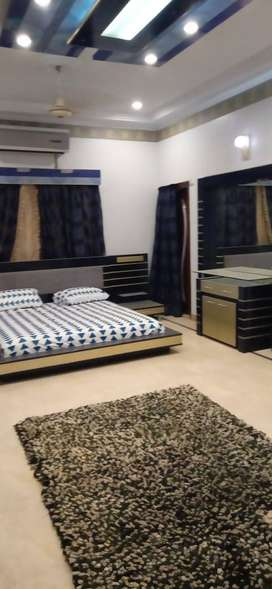 Defence 500yards Fully Furnished 5 Bedrooms Bungalow