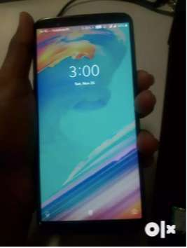 oneplus 5T 8GB Ram with 128GB Storage In Good condition With Bill