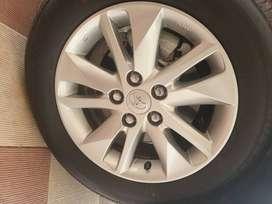 Brand new Toyota 16 inch alloys for innova crysta