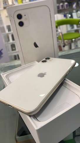iPhone 11 64GB white 12 days old Bill box all 100% with indin with