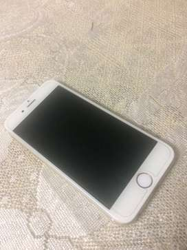 Selling 3 years old apple iphone 6 16gb without