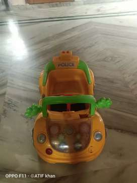 Kid battery car good condition