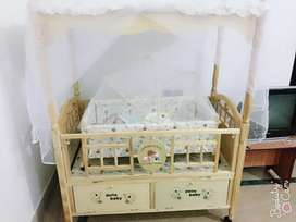 Baby cot in good condition ready to sale