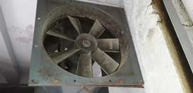 Excellent condition tube exhaust, perfect for bakery & kitchen