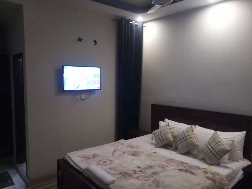 HOTEL short stay 2000 & luxury bed rooms Night 3000 & weekly 15000 0