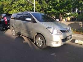 Toyota innova v luxury 2010