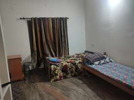 PG for girls available @kollam with good food and clean room