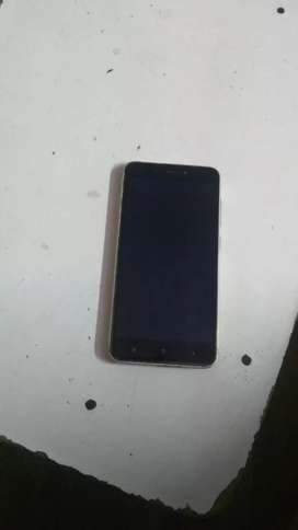 3gb ram 32 gb internal memory. Only phone available