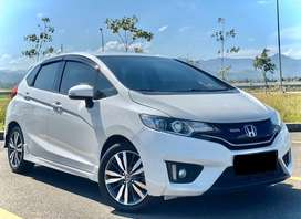 HONDA JAZZ RS 2016 MT TOP !! ( YARIS SWIFT JUKE HRV CRV CIVIC BRIO )
