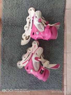 Sepatu roda pinky