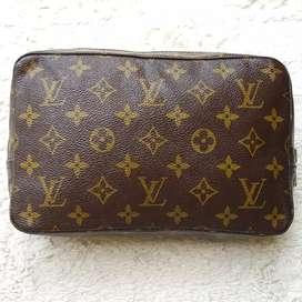 Tas import eks LOUIS VUITTON POUCH paris made in france ad no seri