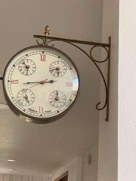 Wall hanging antique designed clock