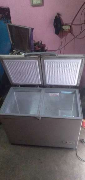 I am selling refrigerator only two years use