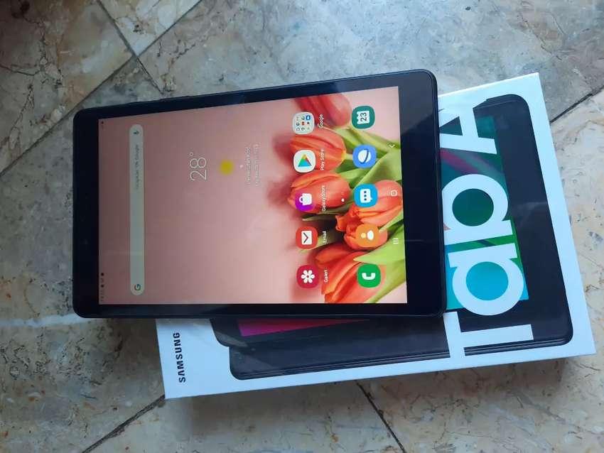 Samsung tablet A8 lengkap dgn box dan garansi expro, garansi april2021 0