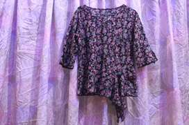 Preloved blouse bunga-bunga