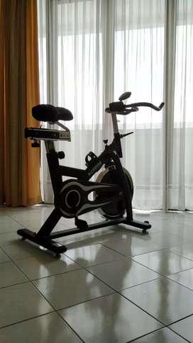 Sepeda statis, exercise bike, alat olahraga
