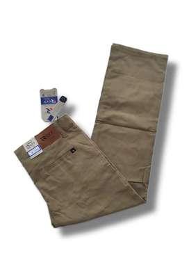 Celana chinos bahan cotton twill streacht