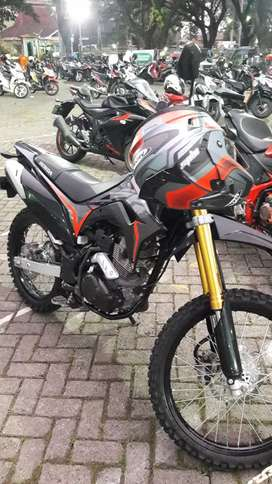 CRF 150 warna hitam low km