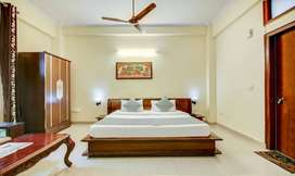 BEST BOYS PG FOR BOYS WITH FOOD AND PARKING NEAR SECTOR 15 IN NOIDA