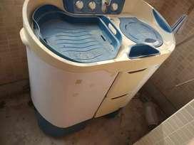 SEMI automatic Godrej twin tub washing machine