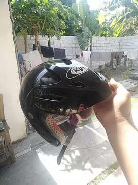 Helm KYT dijual murmer 225rb nego
