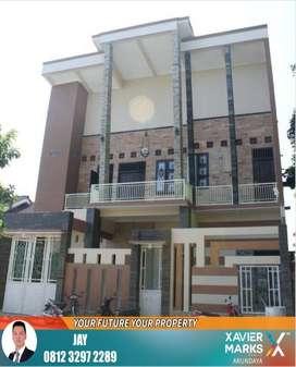 Rumah mewah minimalis 2 lantai siap huni dekat kantor BLK