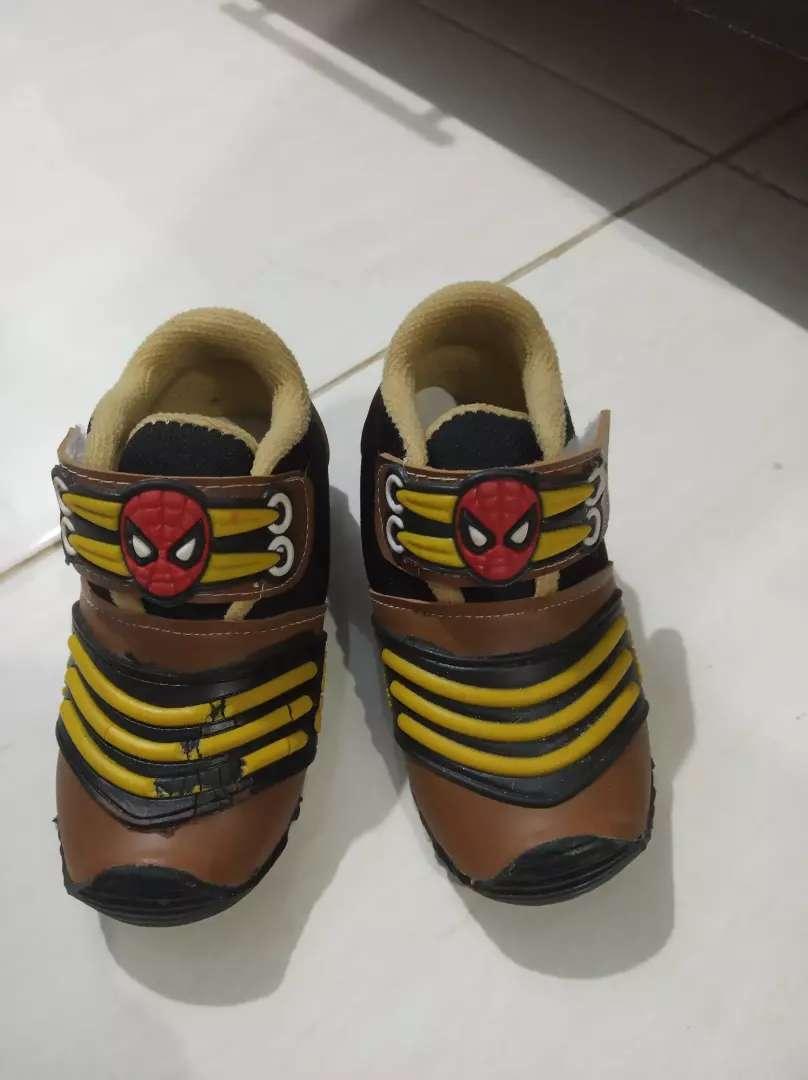 Sepatu  bayi ukuran 24