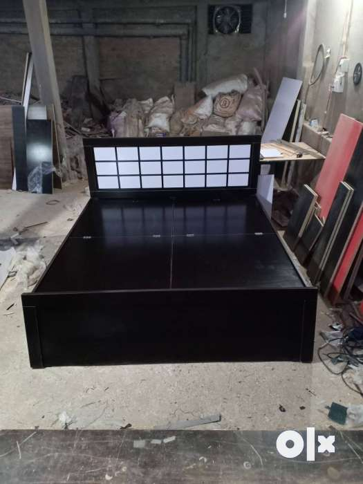 Black Wooden Bed Frame With Mattress 0