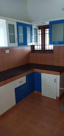 Aprox 1700 sqft semi fnshd 4 bhk for rent Rs 22000 near chalikkavattom