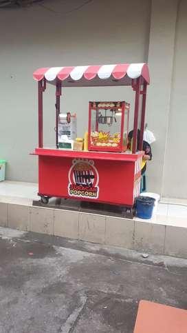 Dicari karyawan toko popcorn