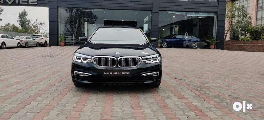 BMW 5 Series 520i Luxury Line, 2017, Diesel