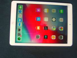 Apple Ipad Air 16 GB Wifi, No Dent/Scratch good battery backup & wor