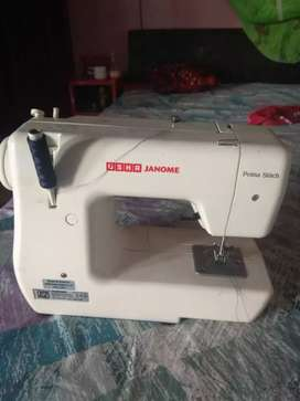 Sewing machine in very good condition