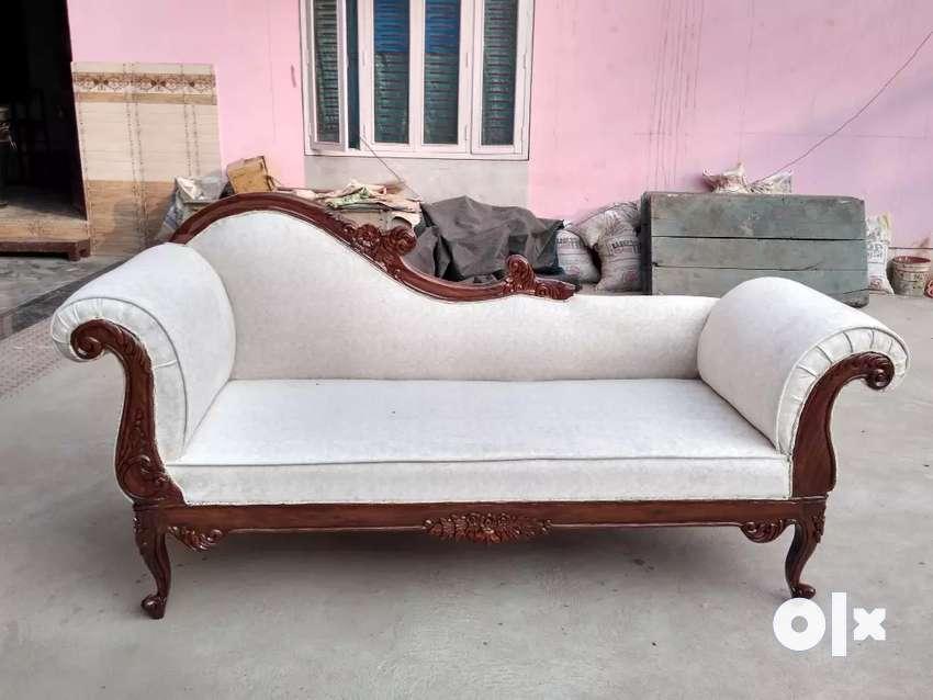 Queen's sofa