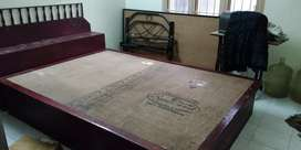7*5 double size bed