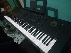 Piano Yamaha DGX 660