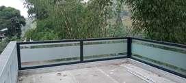 Balkon kaca 2944