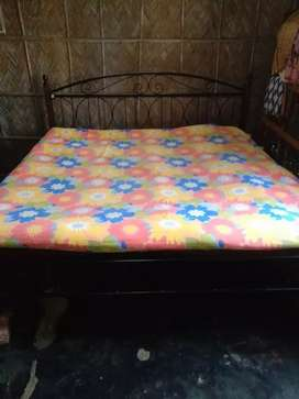 Pure iron hand made bed