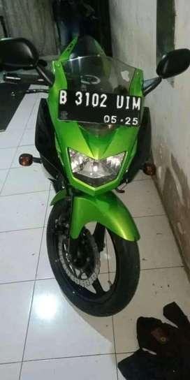Di jual sepeda motor Kawasaki ninja rr