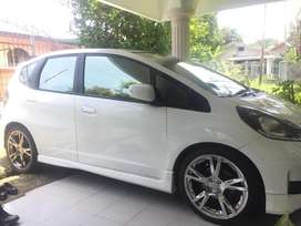 HONDA JAZZ RS 2013 Facelift, MANUAL . .