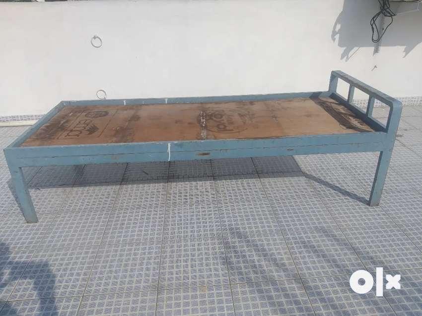 Urgent sale single bed