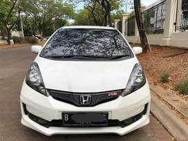 Honda Jazz RS AT 2013 putih Istimewa mulus dan terawat low km
