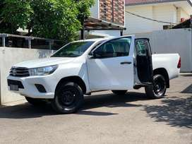 Hilux Extra Cabin 2017