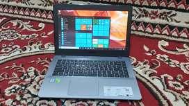 Redi laptop asus VivoBook A442UR i7-7500 / Nvidia 940Mx