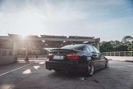 BMW E90 320i LCI Tahun 2010