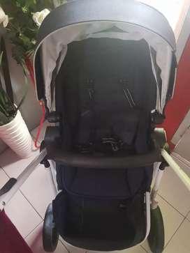 Dijual stroller anak merk quantum