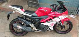 R15 V2 . ₹47000 cash urgent  am going to abroad