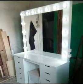 Meja rias lampu warna putih bisa costum
