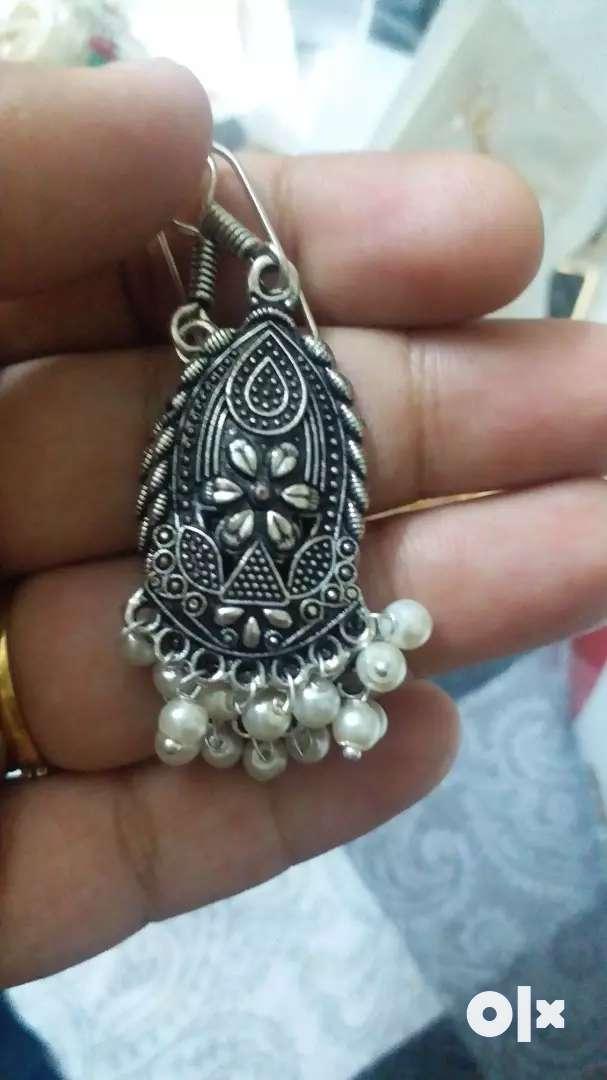 Jewellery. 0