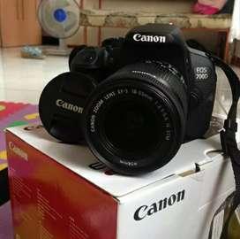 Canon EOS 700D Hitam